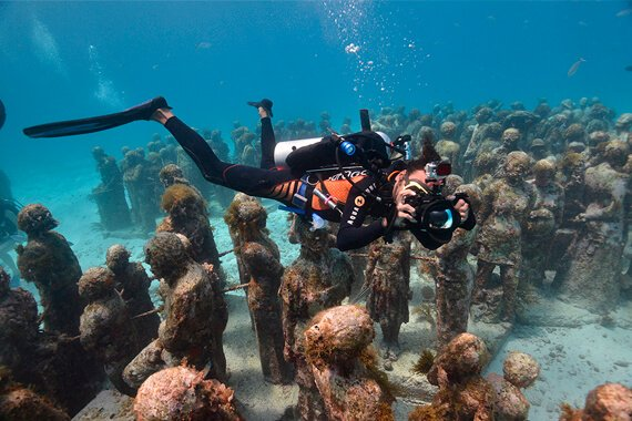 Musa Underwater Museum Cancun Diving